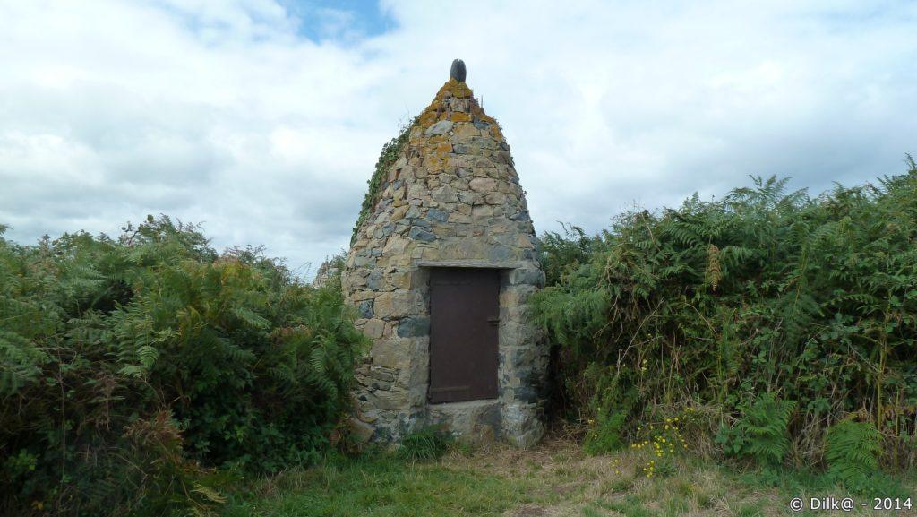 Le puits en pierre de Castel Meur
