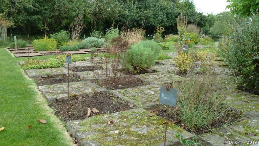 Le jardin autour du château