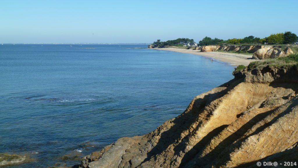 Le bleu de la mer et le doré des rochers