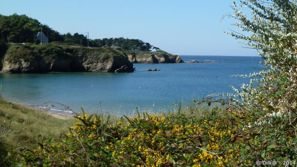 Petite crique au bord du sentier côtier