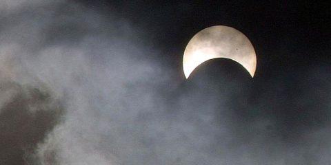 Eclipses sun by Jon Sullivan