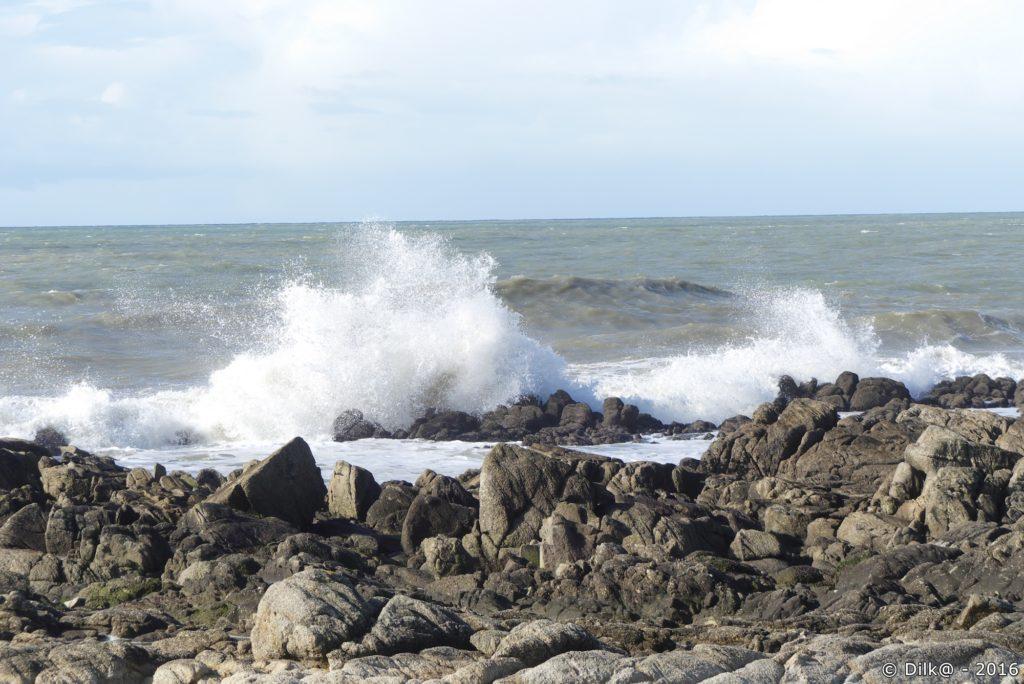Après la tempête, les vagues