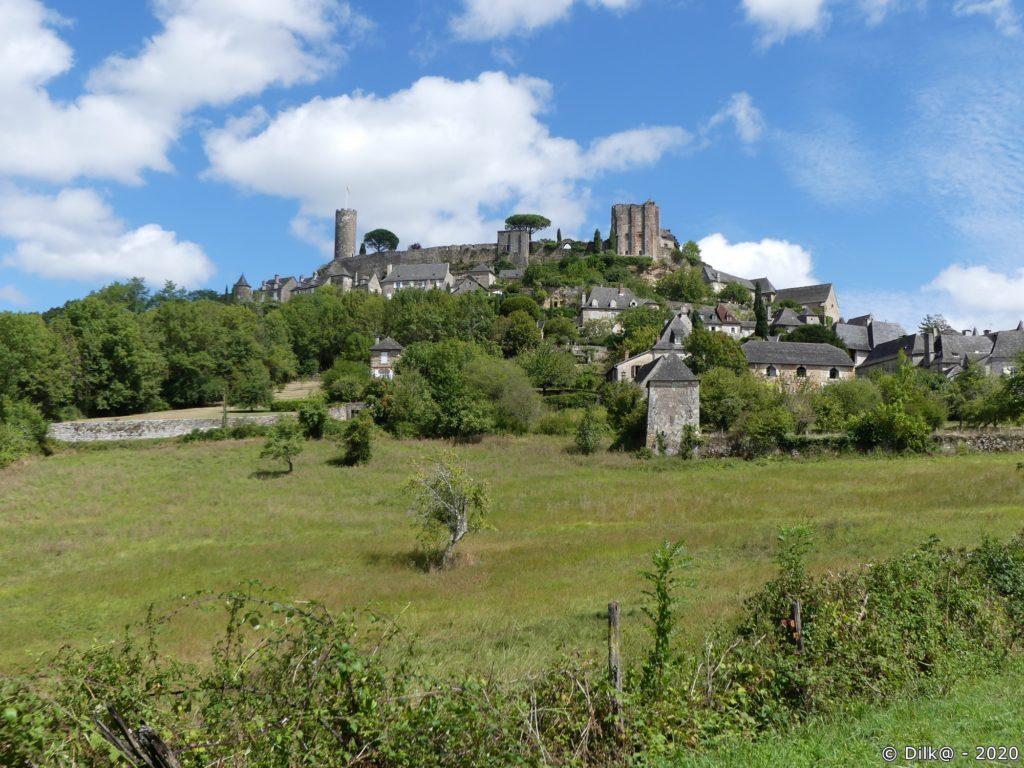Le château et le bourg de Turenne