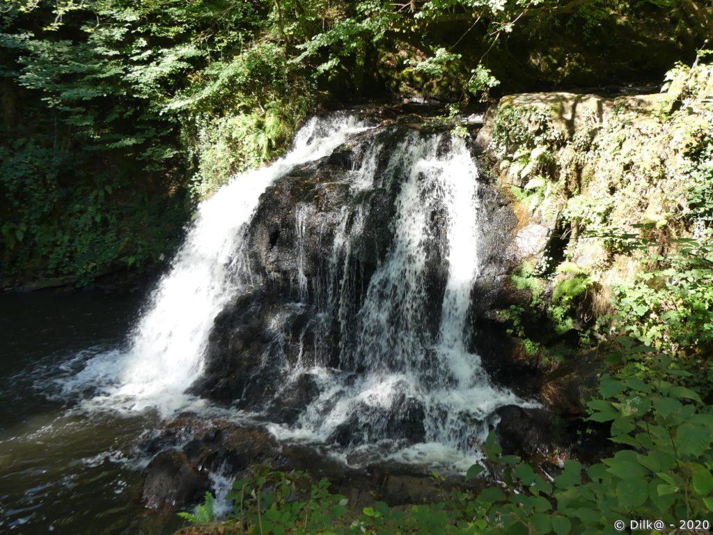 Le Buffet d'eau (4,5 mètres) dans les gorges de la Franche-Valeine