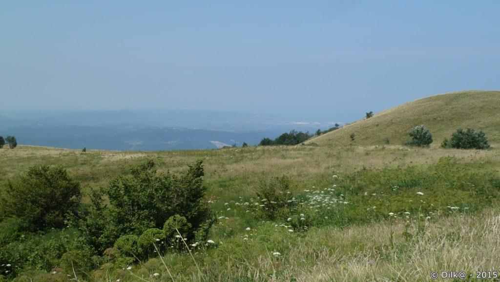 Vue du sommet de Slavnik (1018 m) vers Koper en bord de mer
