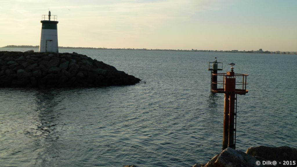 L'entrée du port en eau profonde