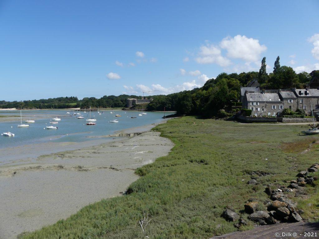 Le port du Guildo et les ruines du château du Guildo