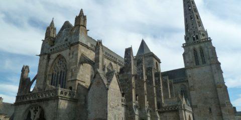Côté gothique de la cathédrale Saint-Tugdual