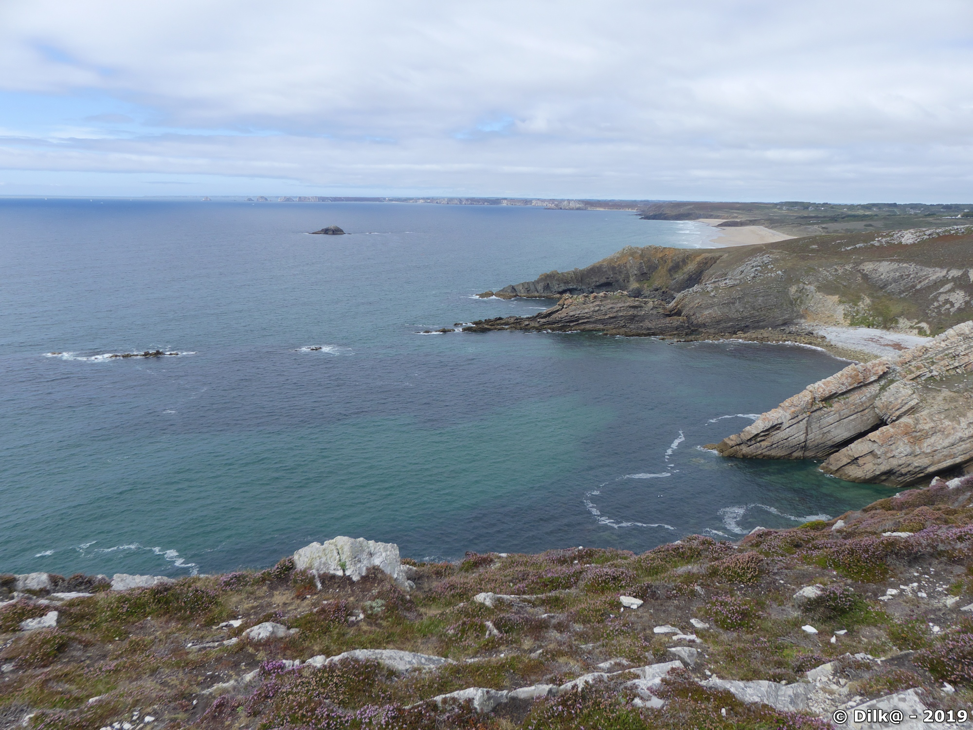 Succession de falaises et de plages