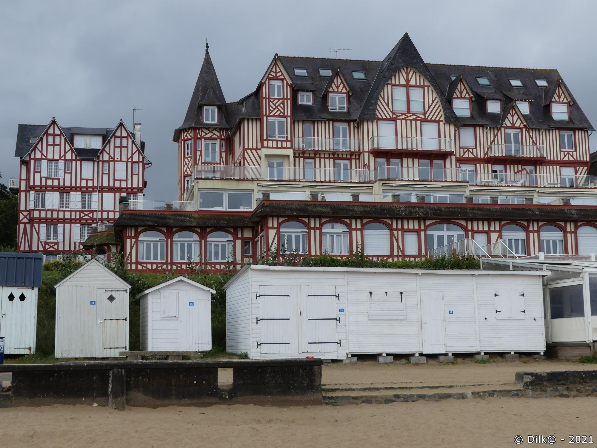 Hôtel sur la Grande Plage de Saint-Cast le Guildo